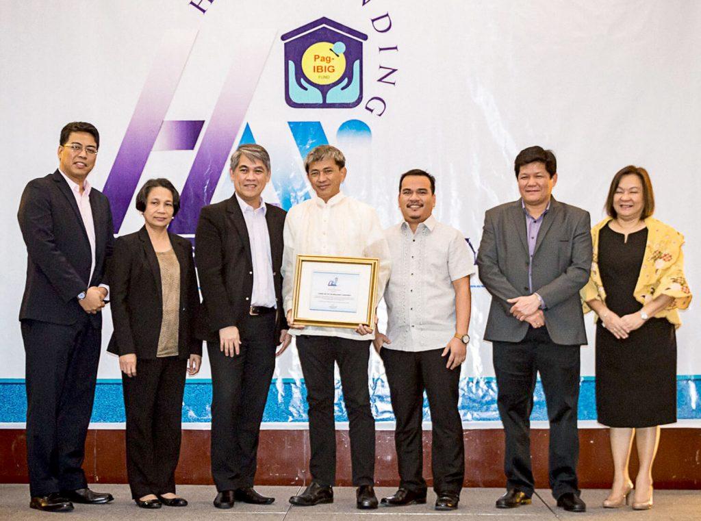 HDMF Confers Top Developer Award on PDO Cebu