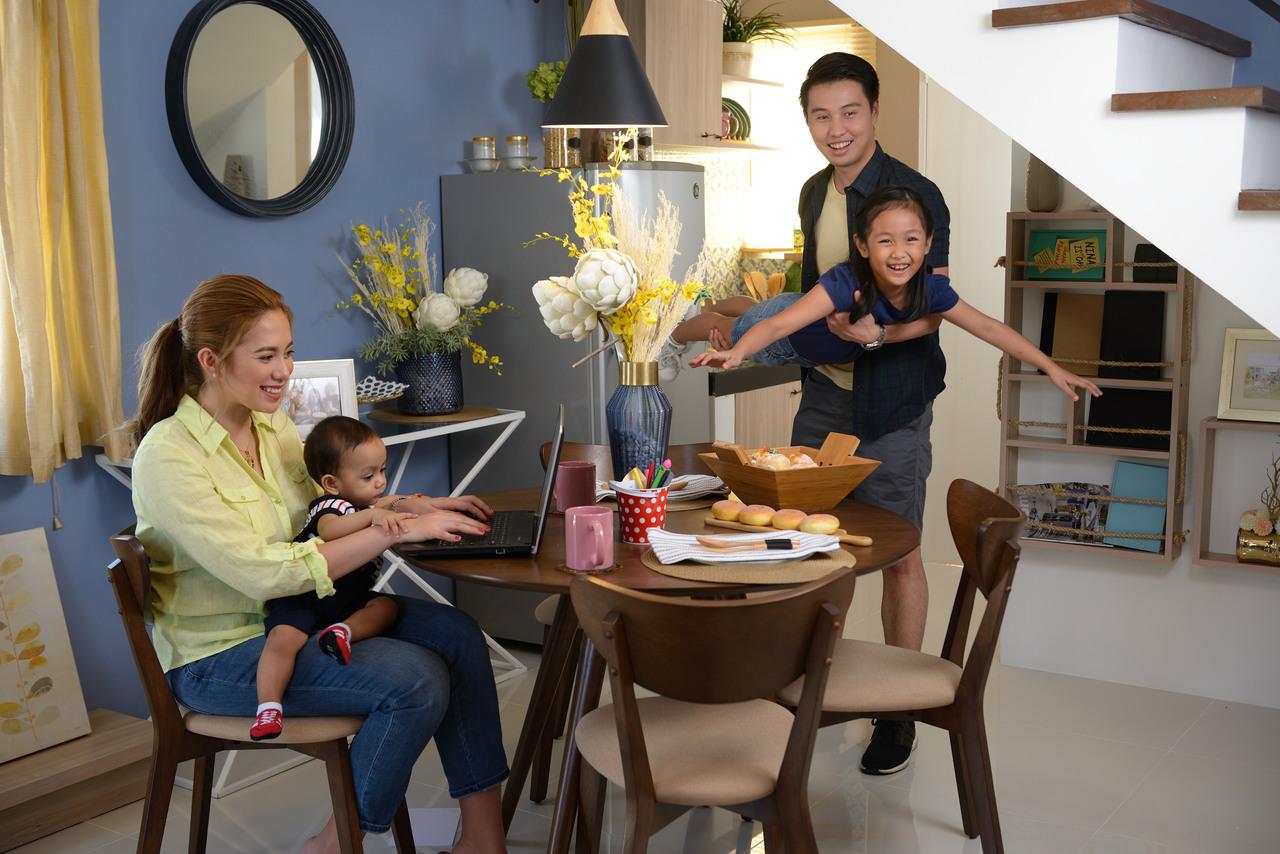A family having fun in a La Aldea Fernandina II home