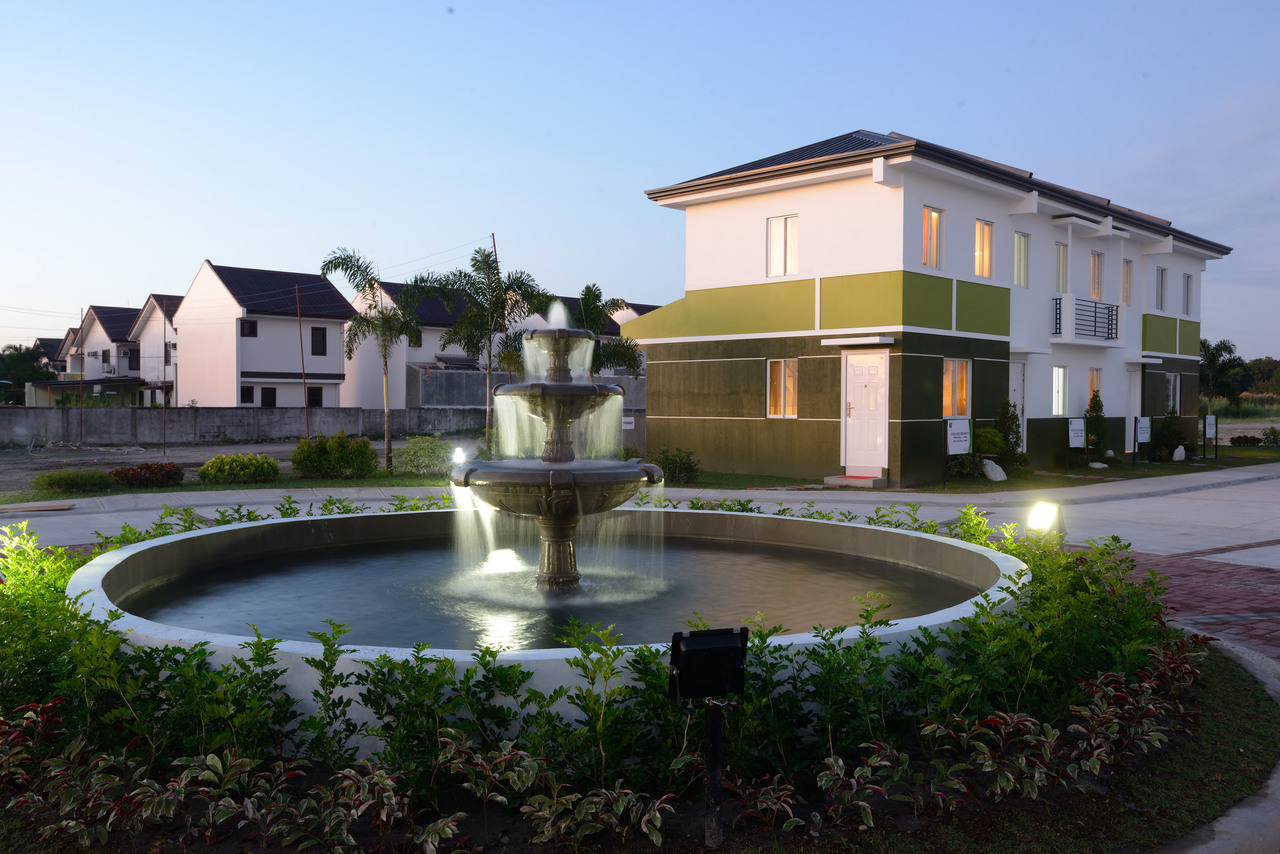 A fountain and houses in Pampanga