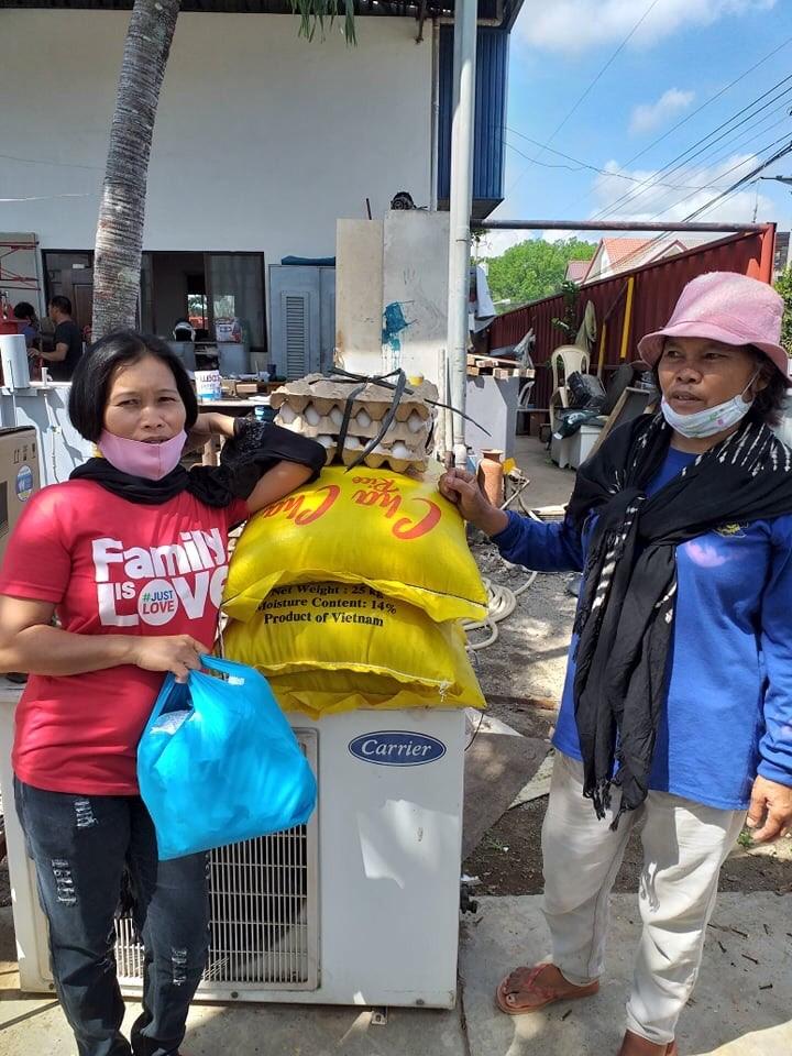 Pueblo de Oro's Rice Donations